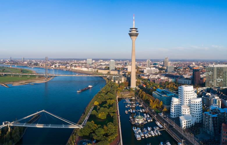 Skyline Düsseldorf und Medienhafen