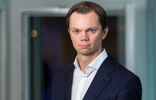 Dr. Marco Adelt ist Mitgründer und Geschäftsführer des Insurtechs CLARK. Der Versicherungsfachwirt arbeitete zuvor zehn Jahre lang bei Unternehmensberatungen.