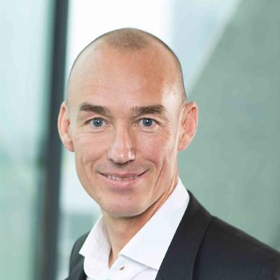 Peter Hiekmann ist VP Sales bei der finAPI GmbH