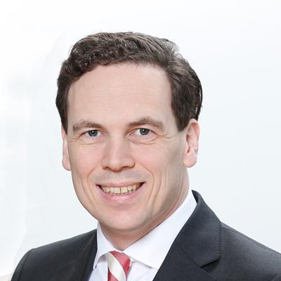 Dr. Felix Lowinski ist Bereichsleiter Vertrieb Unternehmenskunden SCHUFA Holding AG Geschäftsführer bei der finAPI GmbH.