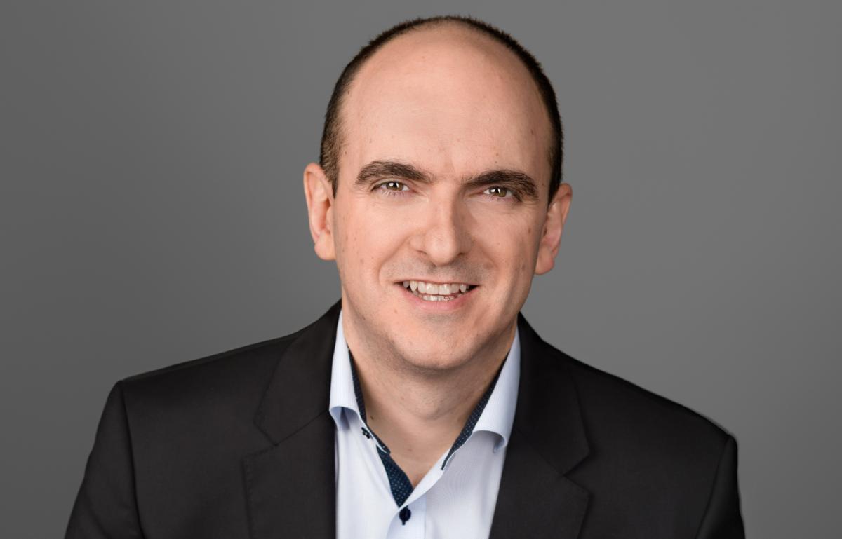 Peter Minev, Mitgründer und CEO von DGLegacy, stellt sich unseren Fragen und dem Experten